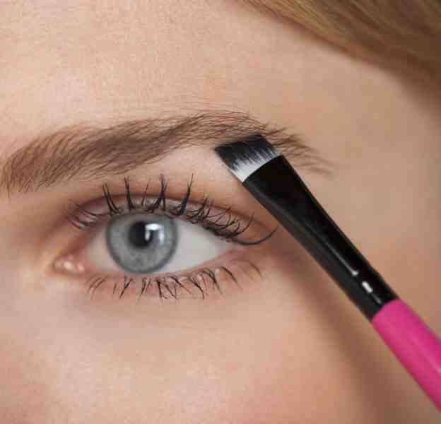 Comment dessiner des sourcils inexistants ?
