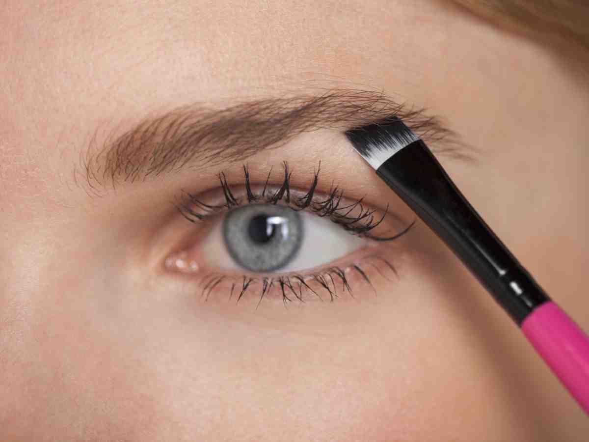 Comment dessiner ses sourcils naturellement ?