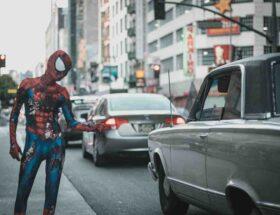 Comment faire un maquillage de Spiderman ?